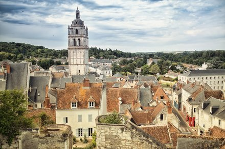 Tours Saint-Antoine de Loches - @Blacknegative